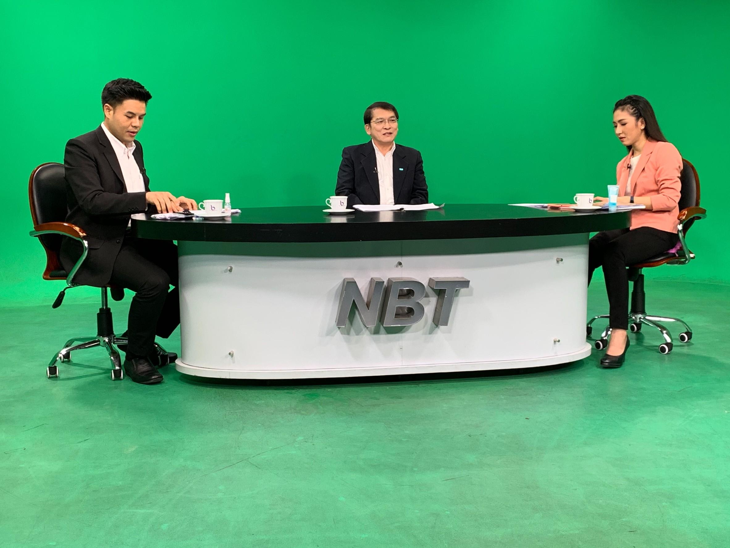 นายอภิญญา สุจริตตานันท์ อธิบดีกส.ร่วมสนทนาสดในรายการ nbt ร่วมใจ  สู้ภัยCOVID-19 ทางสถานีโทรทัศน์ NBT